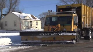 Milwaukee Department of Public Works short on snowplow drivers