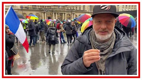 Demo in Paris der Gelbwesten setzt sich trotz Verbot durch!