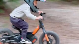 Little kid does epic burnouts on mini motorcycle