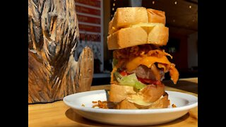 SASQUATCH BURGER! There is a monster burger that uses grilled cheese sandwiches as buns in Arizona - ABC15 Digital