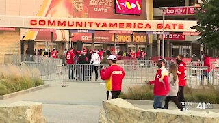 Chiefs fans comfortable attending game after players' COVID-19 diagnoses