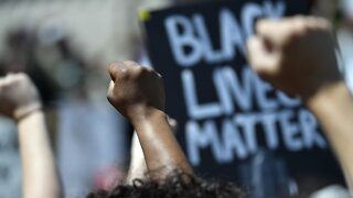 Louisville To Investigate Deaths Of Taylor, McAtee And Protests