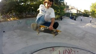 Daily Grind: Amputee Skateboarder With No Legs Performs Insane Flips And Tricks – Without Wearing Prosthetics