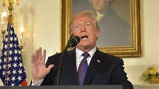 Federal Judge Blocks Trump Administration Asylum Policy