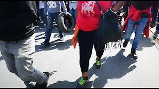 SOUTH AFRICA - Johannesburg - Alexandra residents march to Sandton (videos) (xLF)