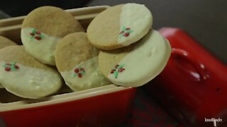 Ginger cookies with white chocolate