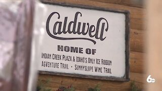 Caldwell businesses hopeful holiday light display will attract customers