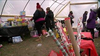 Hundreds of Milwaukee families receive toys on Christmas Eve