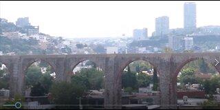 The Aqueduct of Queretaro, Mexico, LIVE MUSIC