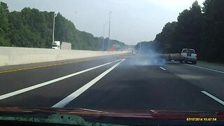 Dasch cam footage captures serious highway accident nearly avoided