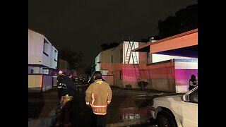 More than 70 people, 8 pets displaced after Las Vegas apartment fire