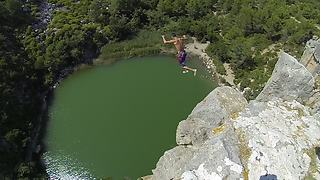 Adventurous Daredevil Jumps From 111 Feet Cliff Into Water