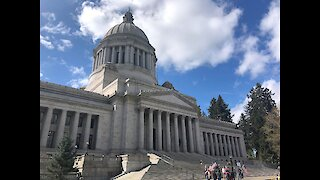 Thousands Protest At The Washington State Capitol Demanding Their Freedom Back!
