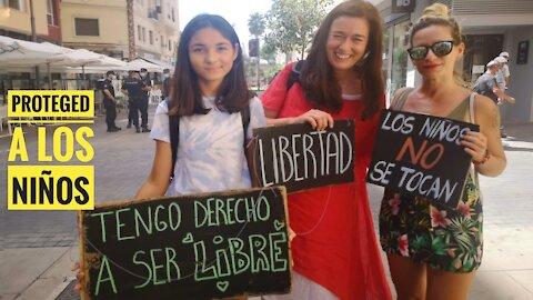 Proteged a los niños. Manifestación en Málaga capital