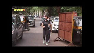 Spotted: Malaika Arora taking an Evening Walk & Seema Khan at FoodHall   SpotboyE