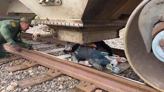 Border Patrol - Train w/ Illegal Immigrants - 2086