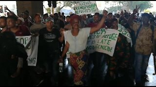 South Africa - Cape Town - Refugees Marching (Video) (W3R)