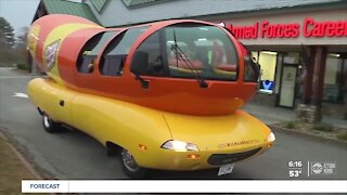 Oscar Mayer looking for a hotdogger to drive the Wienermobile