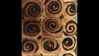 Thé best world cinnamon buns classic version سينامون بن