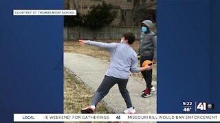Tampa, Kansas City schools compete for Super Bowloi