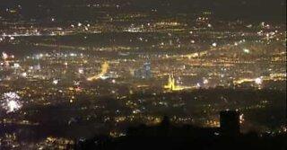 Fantastisk panoramautsikt over nyttårsfyrverkeriet i Zagreb