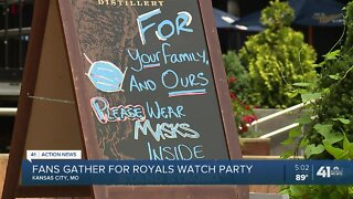 Fans gather for Royals watch party at Power & Light