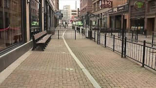 As COVID-19 cases surge, Cuyahoga County helps small businesses