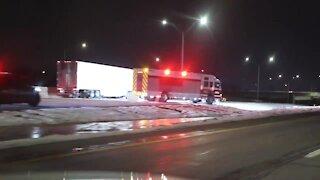 2 people killed in crash on I-71 SB