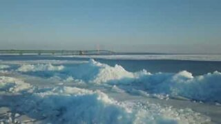 Il ghiaccio del Michigan visto dall'alto