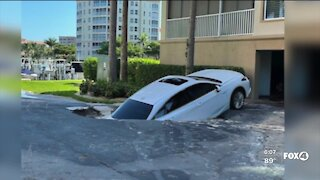 What caused a sinkhole at Harbour Isle Yacht & Raquet CLub