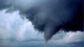 Stormjegere overrasket av en tornado i USA