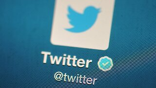 Twitter and Facebook Remove Hundreds of Fake Accounts