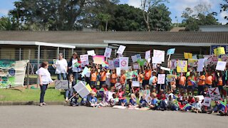 SOUTH AFRICA - Durban - School protest against cellphone tower (Videos) (8AN)