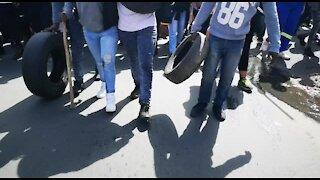SOUTH AFRICA - Johannesburg - Alexandra residents march to Sandton (videos) (PXj)