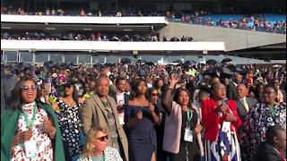 SOUTH AFRICA - Pretoria - Presidential Inauguration - Crowds in the stadium (video) (dj3)