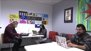 UWGB students start Spanish podcast