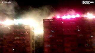 En Serbie, on manifeste contre l'état d'urgence avec des fumigènes