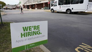 Report Says U.S. Jobless Claims Rise To 412,000