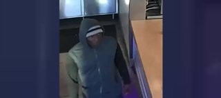Las Vegas restaurant robbed at knifepoint