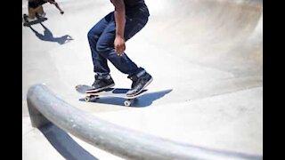 Ouch! Skater torce tornozelo em aparatosa queda