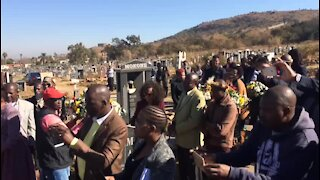 WATCH: Wreath laying ceremony on Mahlangu's birthday (w7J)