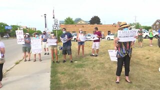 USPS supporters rally in Green Bay for emergency funding, congressional action