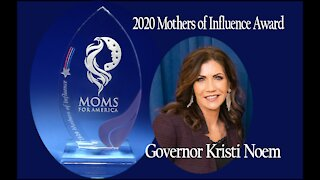 Governor Kristi Noem presented 2020 Mothers of Influence Award