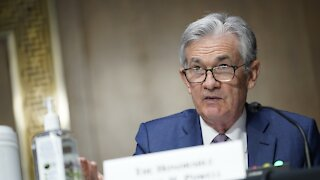 Fed Holds Interest Rates Near Zero Despite Economic Growth, Inflation