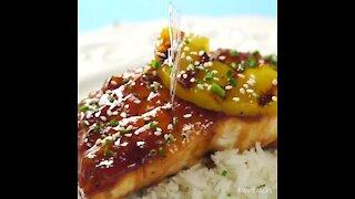 Teriyaki salmon with pineapple