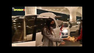 Sushmita Sen with family spotted at the airport   SpotboyE