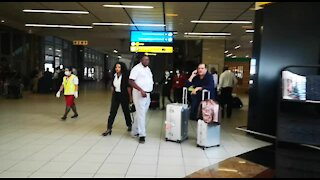 SOUTH AFRICA - Johannesburg - Cathay Pacific Flight from Hong Kong - Video (LxY)