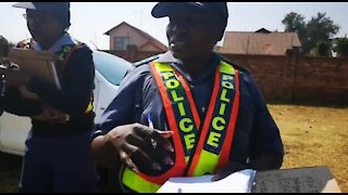 Female police officers recover 4 stolen vehicles at Johannesburg CBD roadblock (RSs)