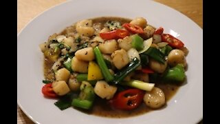 How to make Thai stir fry scallops in black pepper sauce