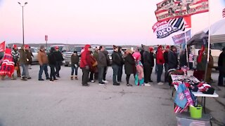 Trump rally brings out thousands of supporters, protestors gather outside